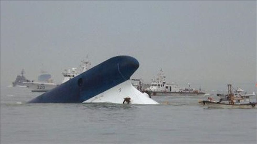 Inexperienced third-mate in South Korea ferry disaster was 'steering in tricky waters for first time'