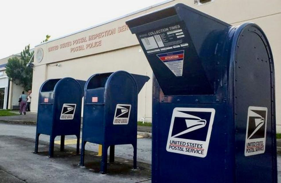 US mail bomber case prompts call for better postal screening