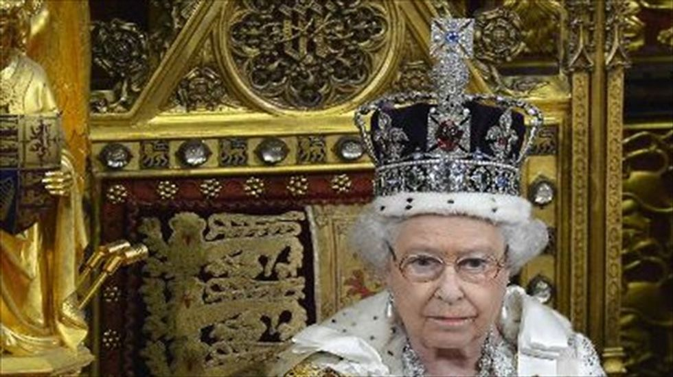 Queen Elizabeth praises Ebola health workers in Christmas message