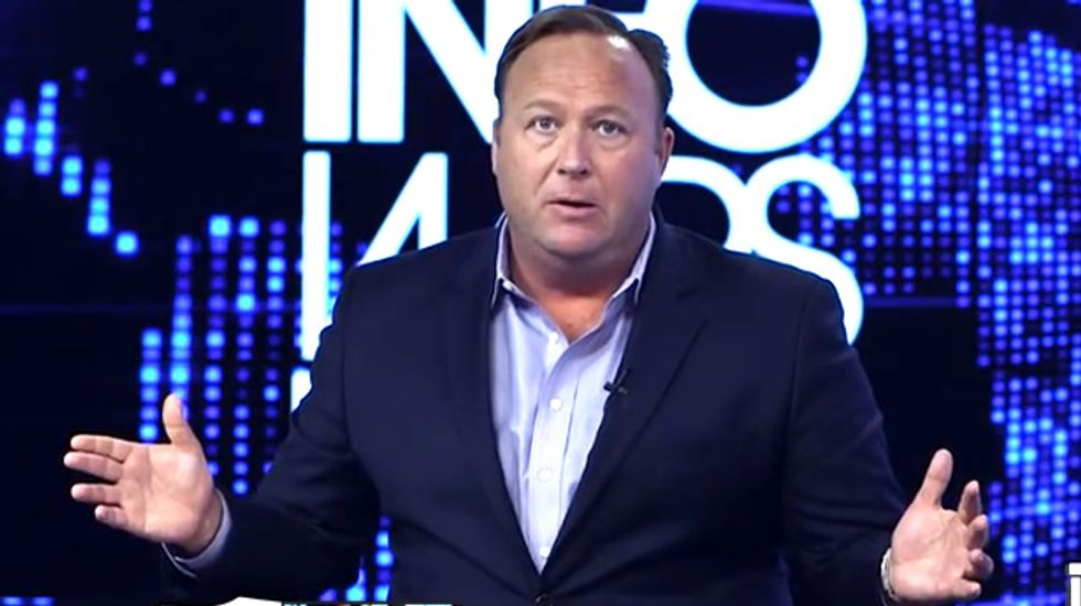 Alex Jones: 'Globalists' may assassinate Obama as 'false flag' to promote gun safety and health care