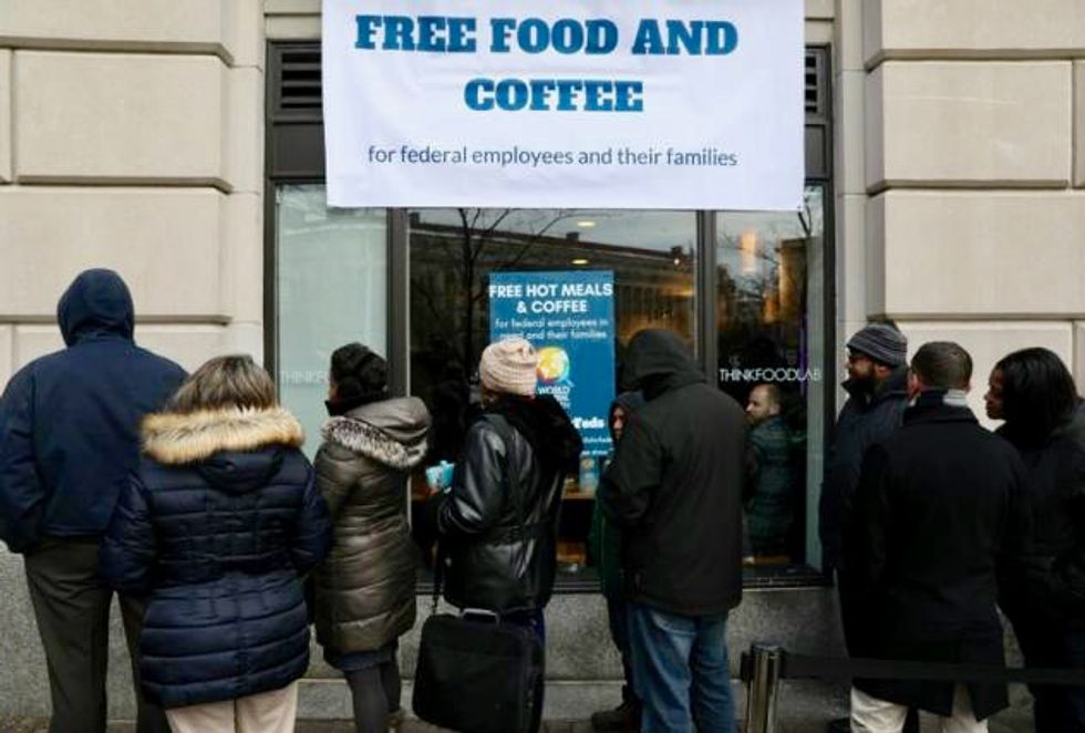 Celebrity's 'Chefs for Feds' kitchen feeds unpaid US government workers