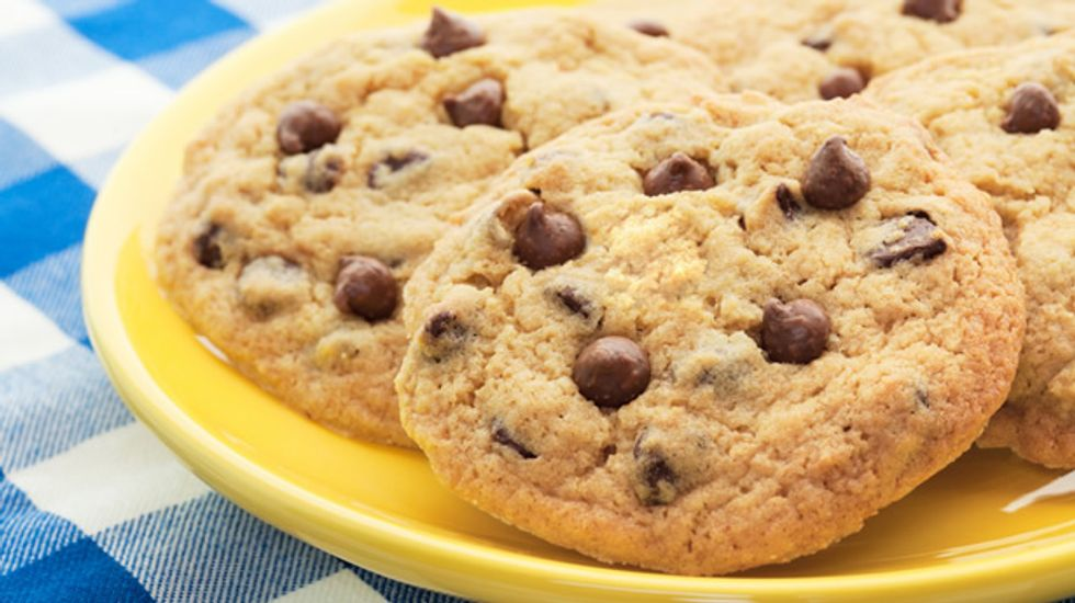 Report: IL man tries to strangle woman to death for eating his last 3 Chips Ahoy cookies