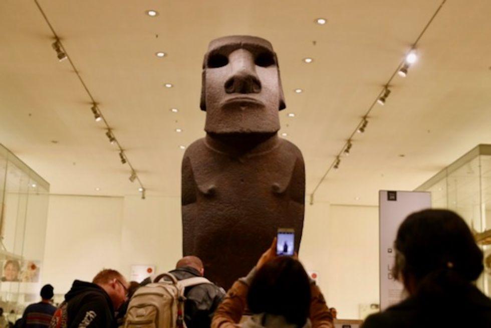 British visit Easter Island to discuss returning sacred monolith