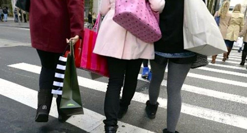 US retail sales post largest drop since 2009; jobless claims up