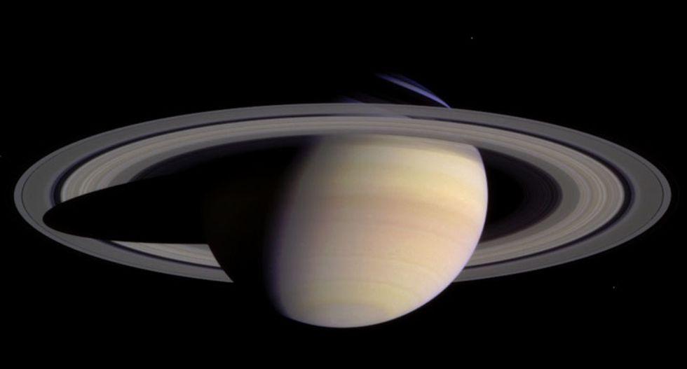 New Cassini photos show the hexagon on Saturn's north pole