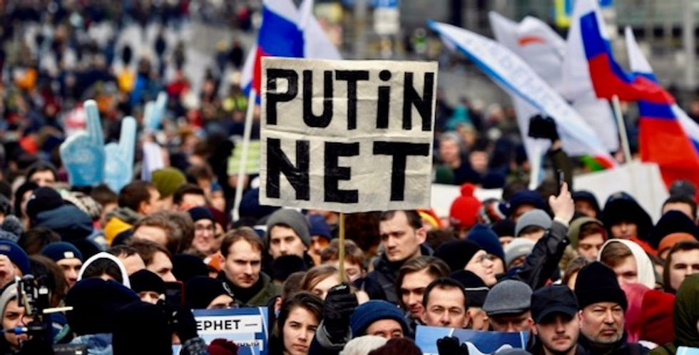 Russian MPs approve controversial bill restricting internet