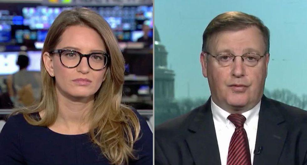 Ex-DOJ official explains how Mueller 'is sending a signal' with charges against Alex Van der Zwaan