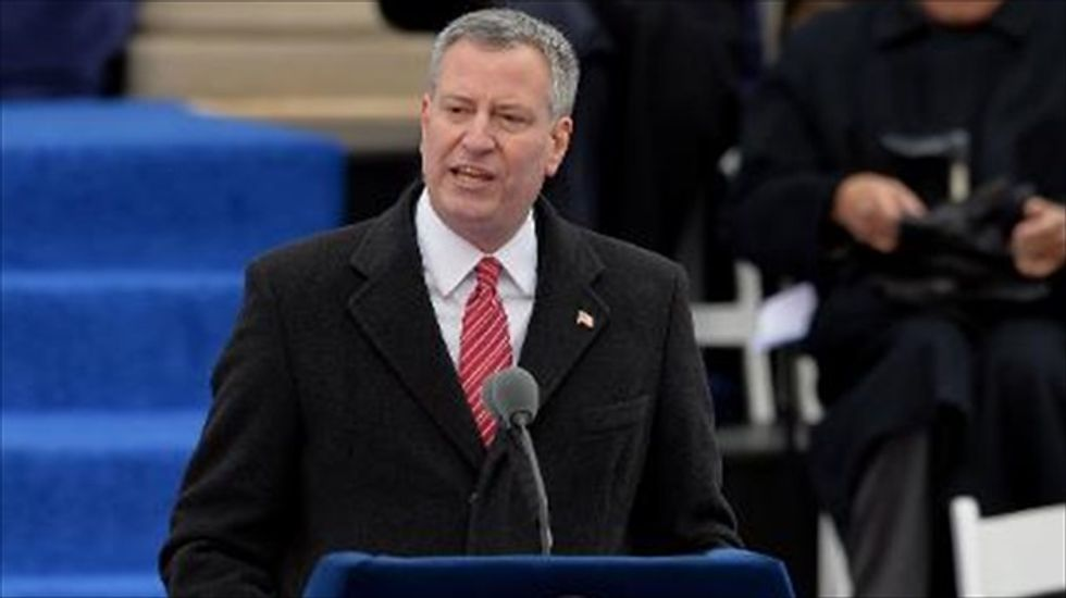 NYC Mayor de Blasio's minimum wage hike order expected to cover 18,000 workers