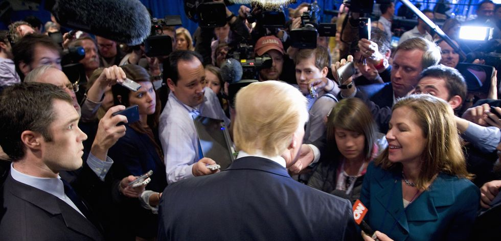 Reporters resort to begging federal employees to leak dirt on Trump