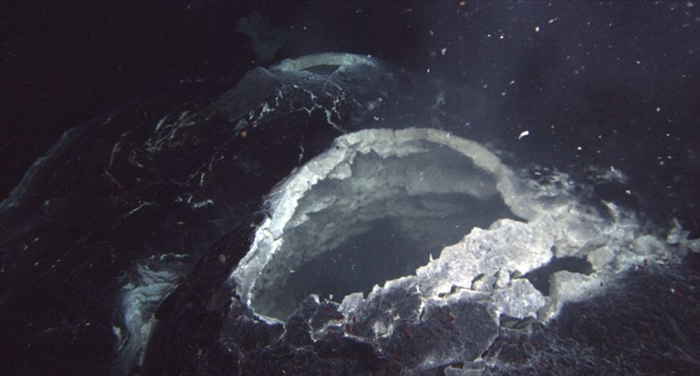 Researchers monitor undersea 'Axial Seamount' volcanic eruption off Oregon coast