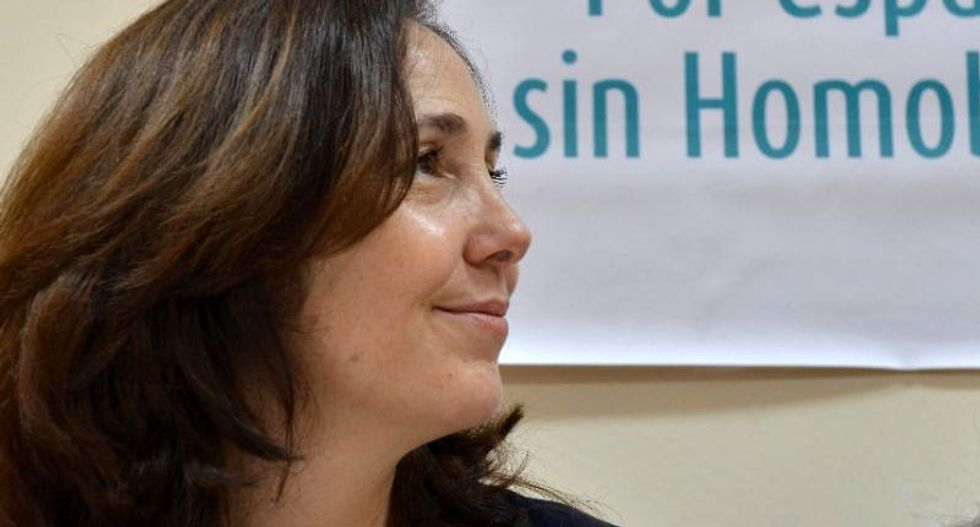 Raul Castro's daughter organizes symbolic gay weddings