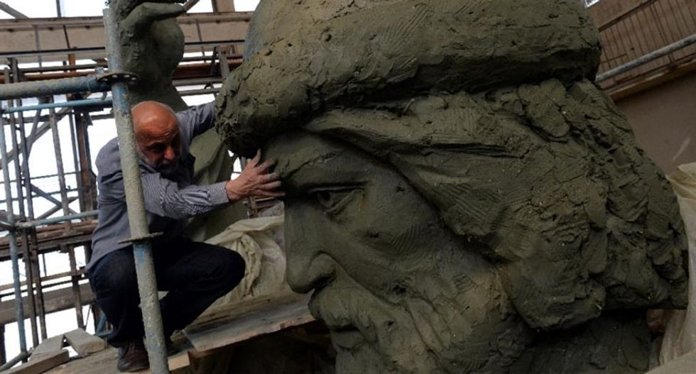 Giant statue of Orthodox prince stirs controversy in Moscow