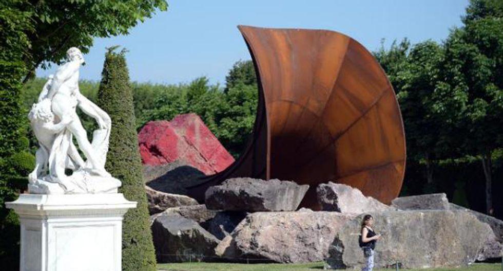 'Queen's vagina' sculpture at Versailles vandalized