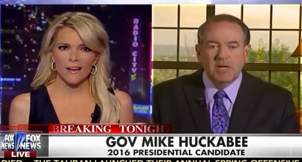 Megyn Kelly slams Huckabee for rejecting SCOTUS marriage ruling: 'Like it or not, they get the final say'
