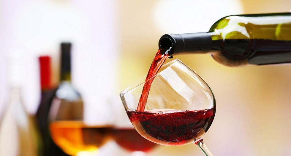 Drinking two glasses of wine a day, keeps premature death away