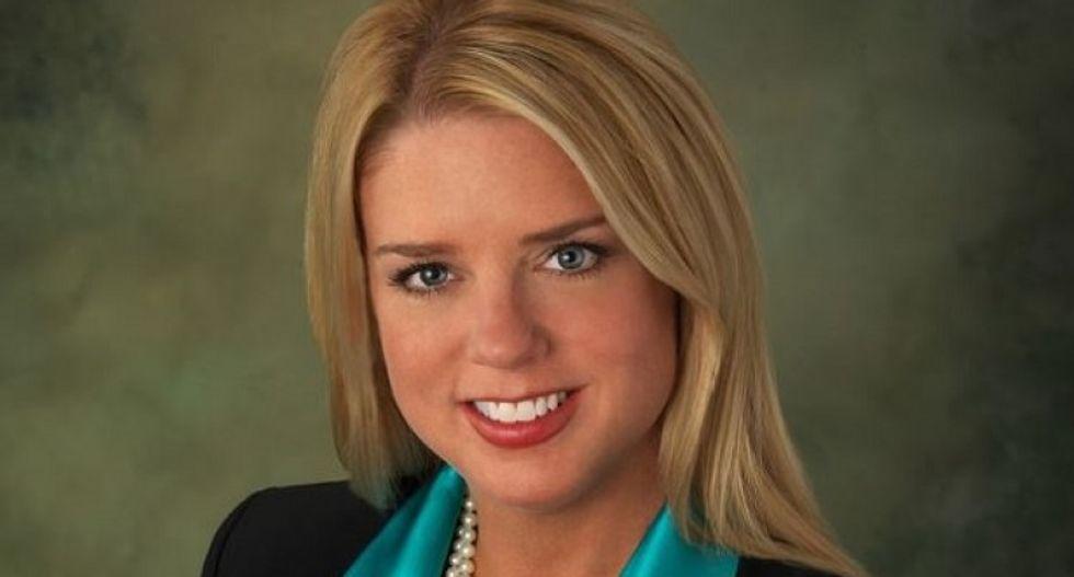 Florida AG Pam Bondi and Donald Trump hit with bribery complaint over shady Trump U arrangement