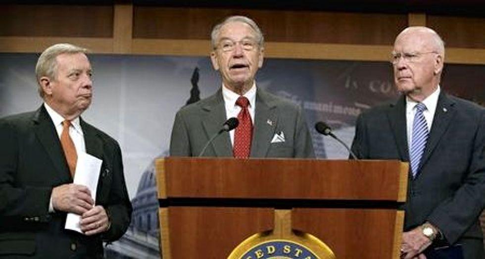 Senators propose sentencing reform to reduce prison overcrowding