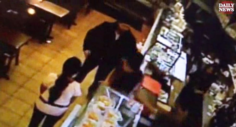 'Muslim motherf*cker': NY man launches glass-smashing attack on cafe staffers