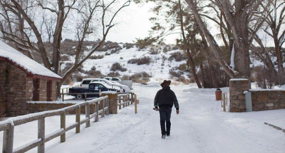 FBI sets up checkpoints around occupied Oregon refuge after deadly confrontation
