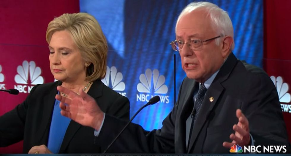 Clinton and Sanders make their final cases at Democratic town hall as Iowa caucus draws near