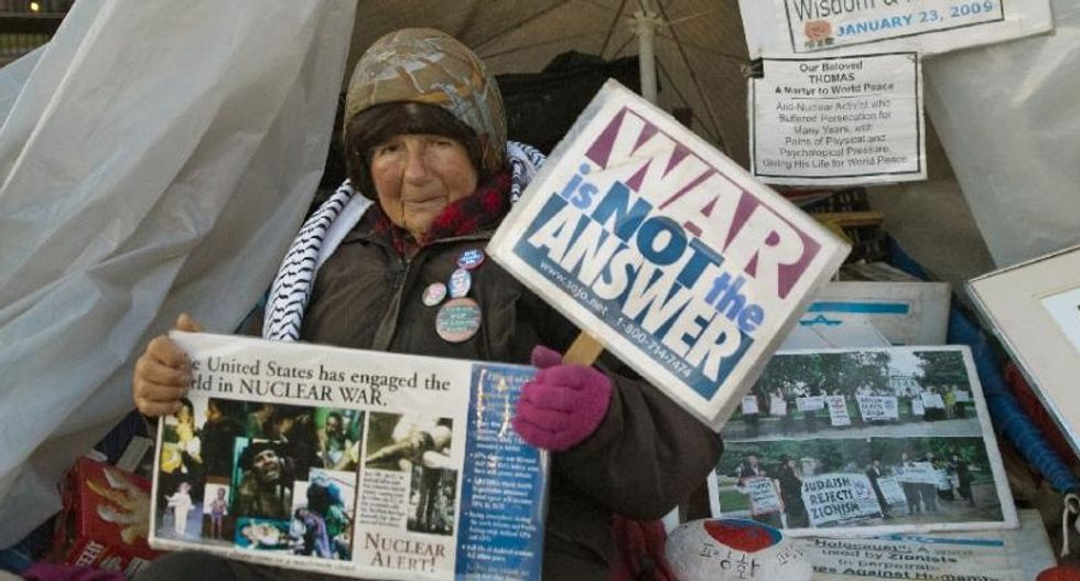 White House protester dies after 35-year-long anti-nuclear demonstration