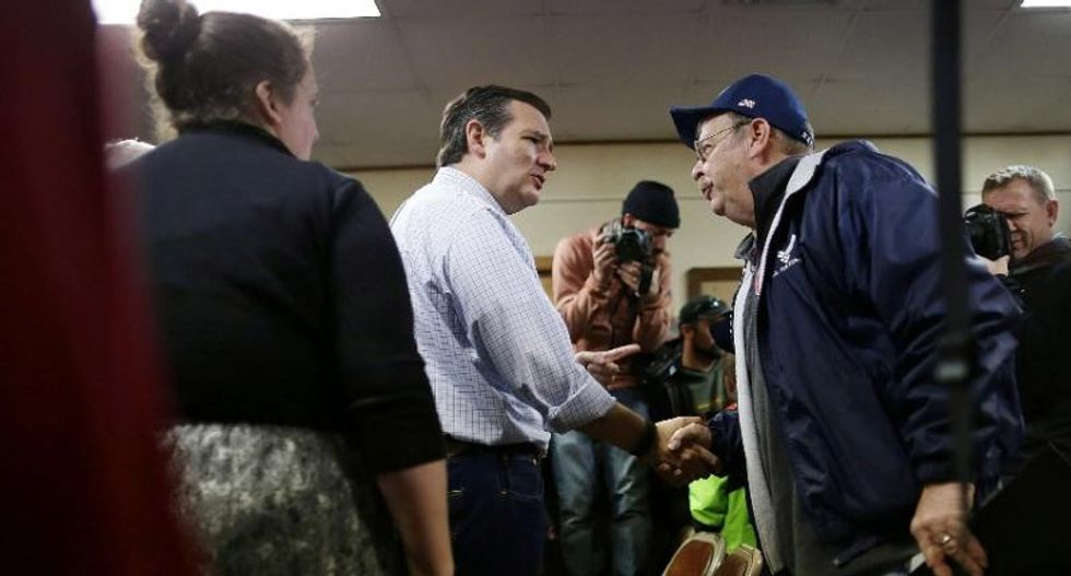 Donald Trump and Ted Cruz virtually tied in Iowa: poll