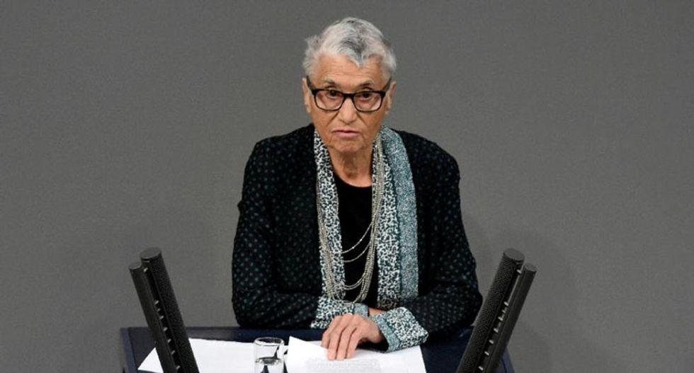 Holocaust survivor lauds Merkel's 'heroic' refugee policy