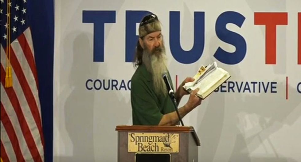 WATCH: 'Duck Dynasty' star goes on crazed 13-minute Bible-thumping rant at Ted Cruz rally