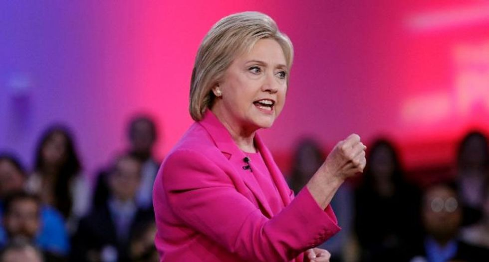 Hillary Clinton holds off Sanders in Pennsylvania Democratic primary