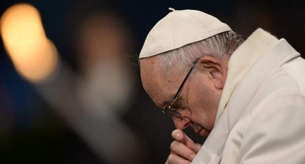 Pope condemns synagogue attack, calls for end to 'hotbeds of hate'