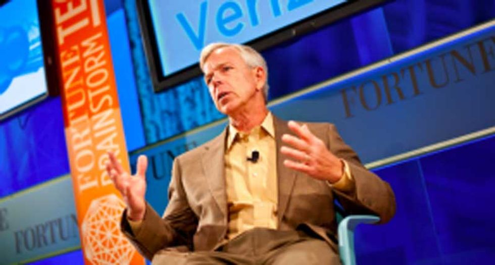 Verizon CEO goes on unhinged anti-Sanders rant that's a hilarious caricature of a rattled one percenter