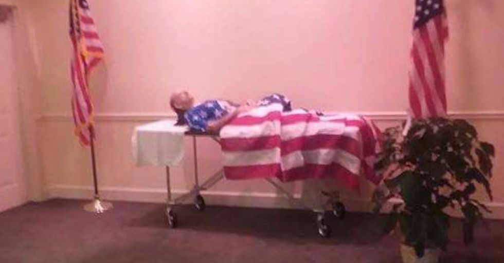Photo of veteran without a coffin sparks outrage -- the explanation makes it even sadder