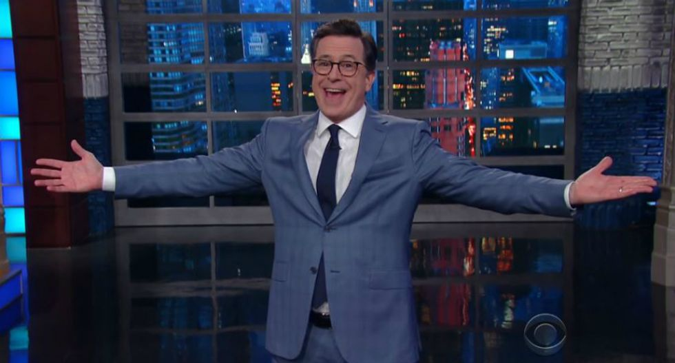 Watch Colbert hilariously ridicule Sarah Sanders for contradicting Trump on Pittsburgh shooter