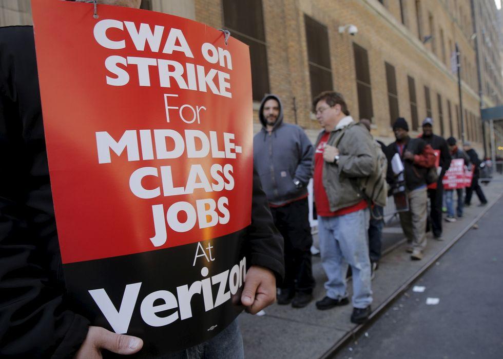 Verizon, striking unions at impasse as health benefits to expire