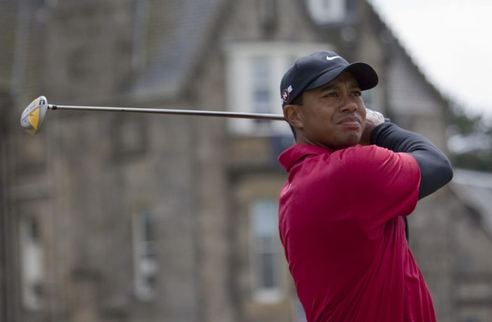 Internet torches Trump for giving 'absurd' Medal of Freedom to golf buddy Tiger Woods