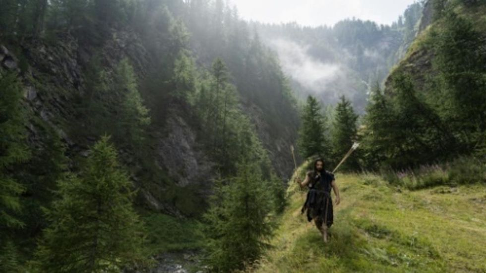 Modern cave man offers 'Neanderthal' survival courses in Italy
