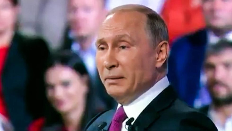Putin's no mastermind -- he's barely clinging to power to avoid Saddam Hussein's fate: reporter