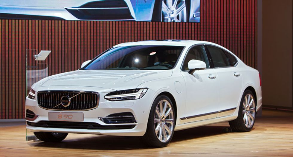 Swedish carmaker Volvo to phase out conventional combustion engines starting 2019