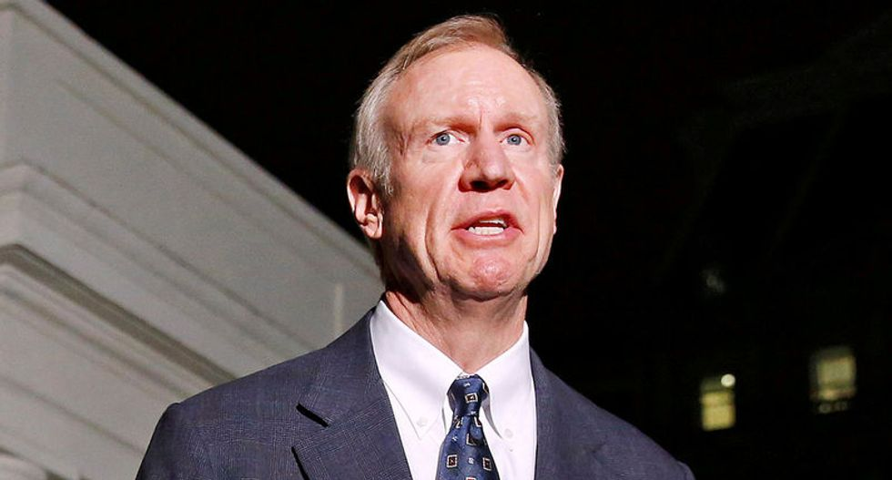 Illinois risks rating cut to junk even with budget: Moody's