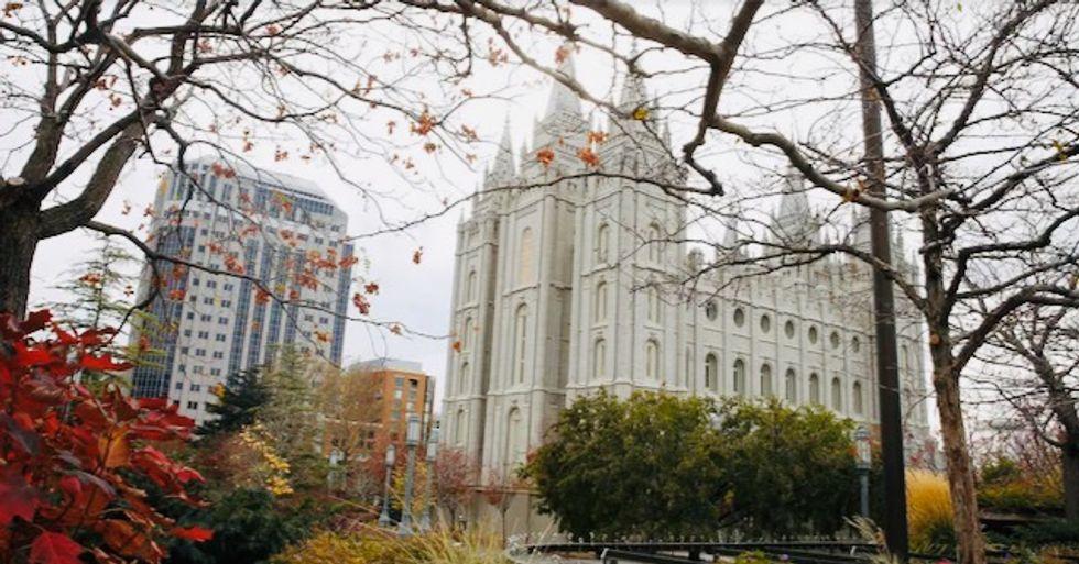 Quake rattles Salt Lake City, damages Mormon temple