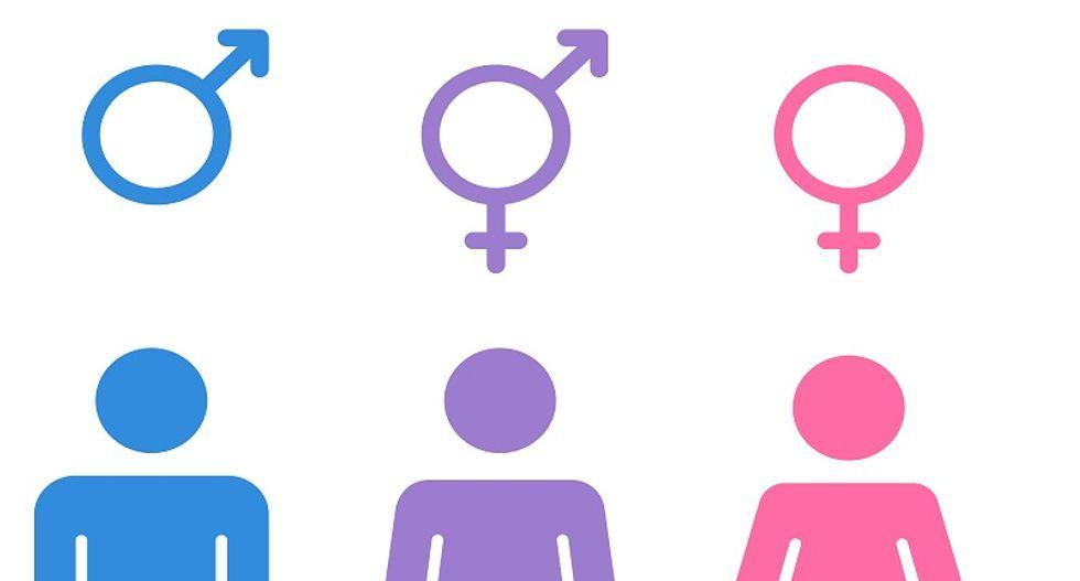 Illinois families fight transgender access to school locker room