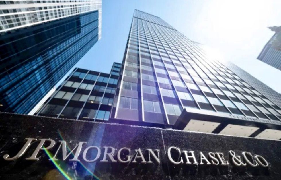JPMorgan Chase fined $920 million by US over market manipulation