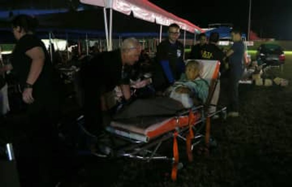 A month after Puerto Rico's earthquakes began, more than 4,000 still sleep outside