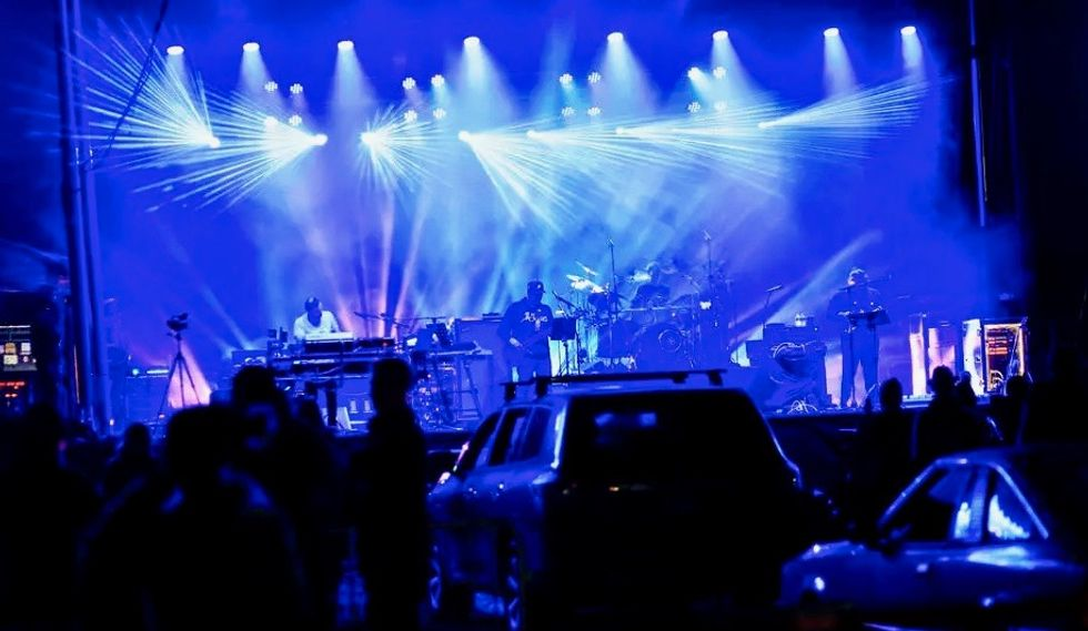 Cars, electro and sequins: drive-in raves in virus-hit US