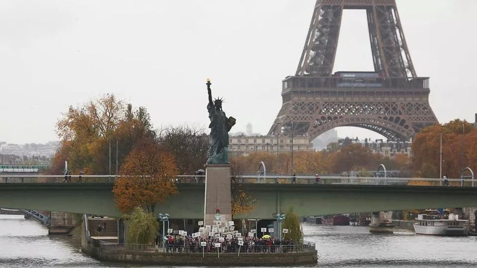 American voters in Paris get ready for US presidential election