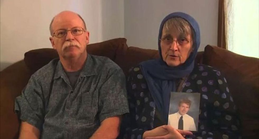 Parents of American held hostage by ISIS release video plea
