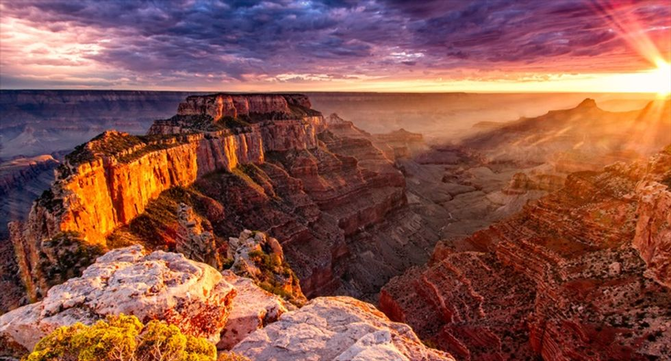 Grand Canyon visitor plunges 400 feet off South Rim to death