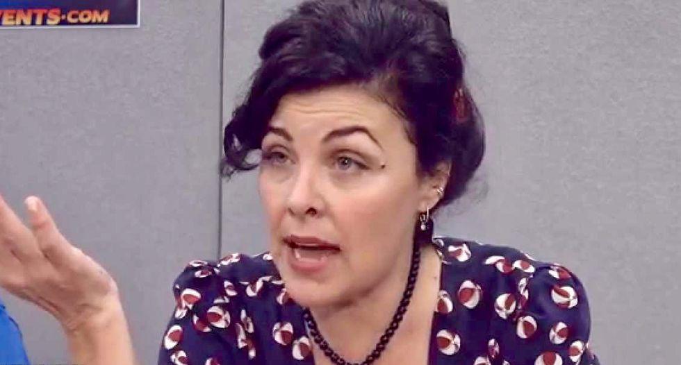 'Twin Peaks' actress Sherilyn Fenn says David Lynch made her do transcendental meditation
