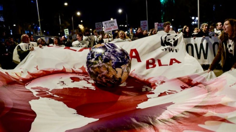 Fossil fuel groups 'destroying' climate talks: NGOs