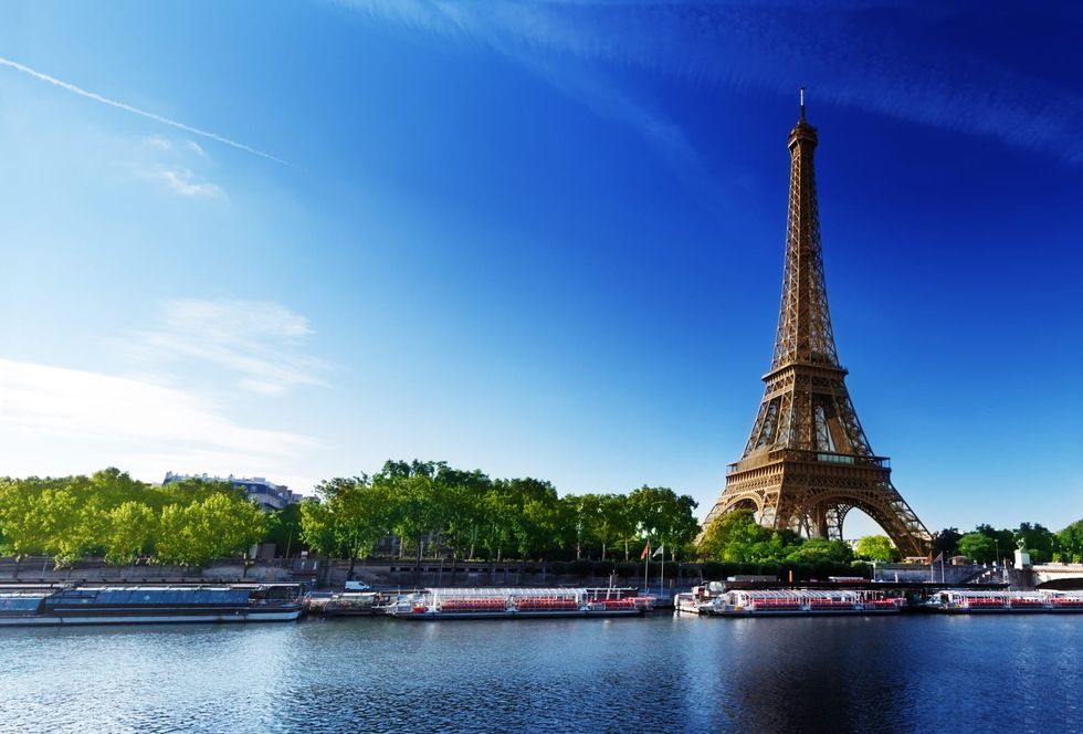 COVID-19 'health passports' now required to visit Eiffel Tower, French museums, movie theaters